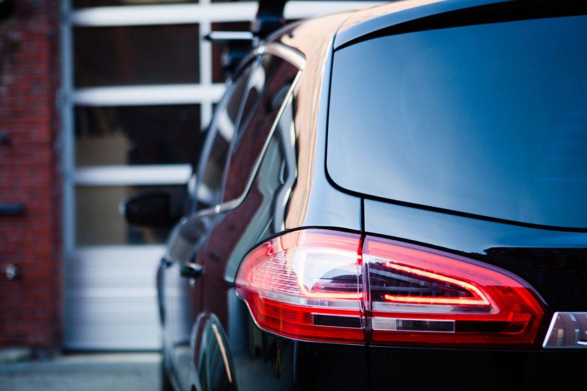 Bilpleie er essensielt for å opprettholde bilens verdi